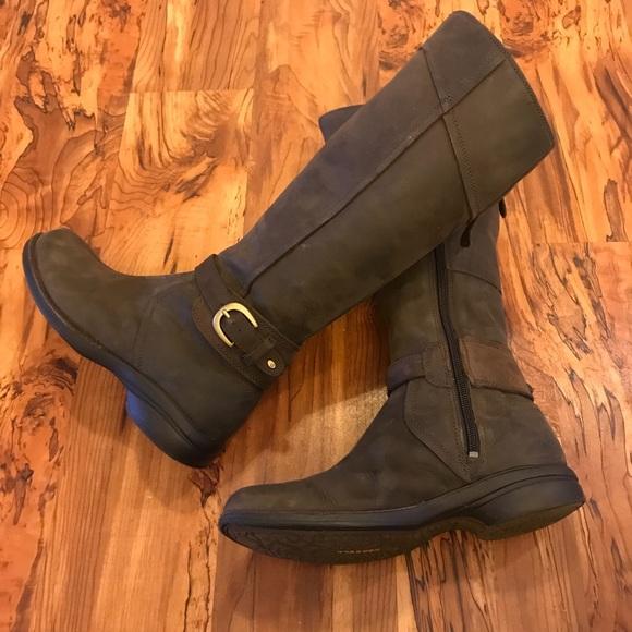 7bcf9b845b6 Merrell Women's Captiva Buckle-Up Waterproof Boot